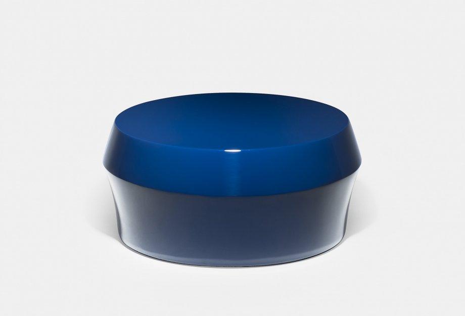 761M_Zhuzi_Table_by_NeriHu_in_blue_fibreglassweb2_920x625.jpg