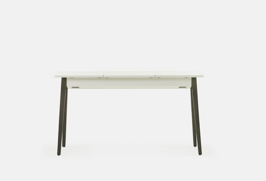 Orson_Desk_by_Matthew_Hilton_in_white_painted_ash___backweb_920x625.jpg