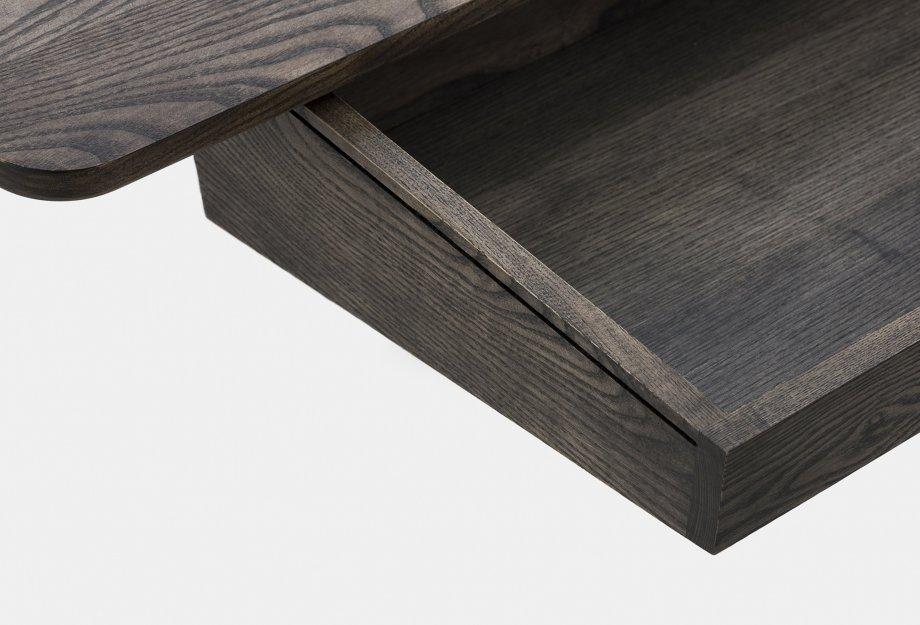 365_Orson_Desk_by_Matthew_Hilton_in_black_oiled_ash___detail_1web_920x625.jpg