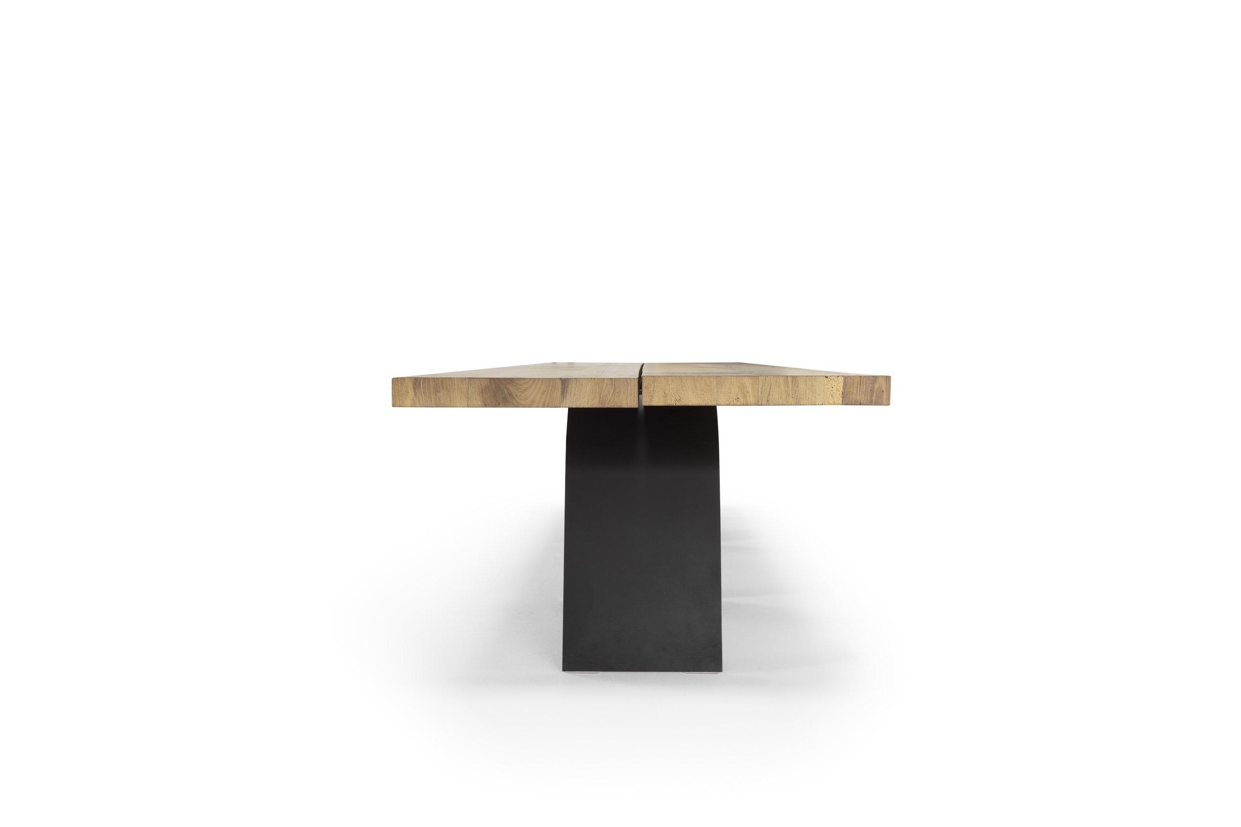 02_Desco_Table_Rov.antico.JPG