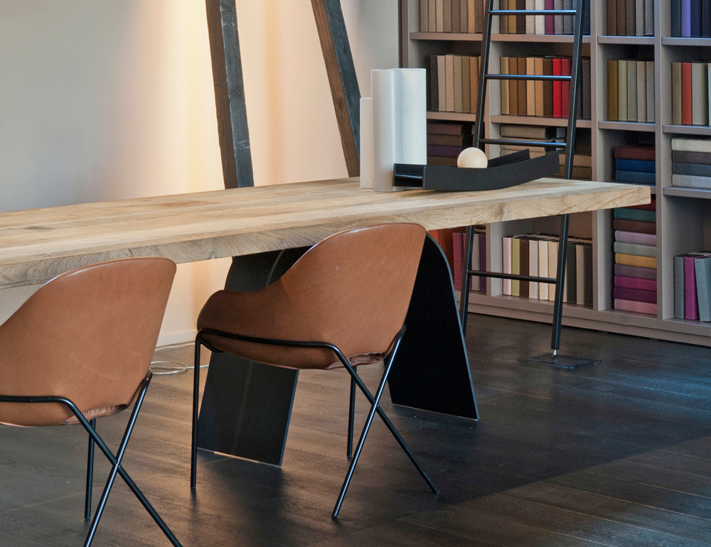 desco-dinner-table-set-table-in-wood-rovedere.jpg