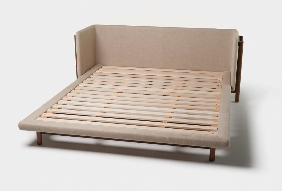 Frame_Bed_with_Arms_no_mattress_webSK_920x625.jpg