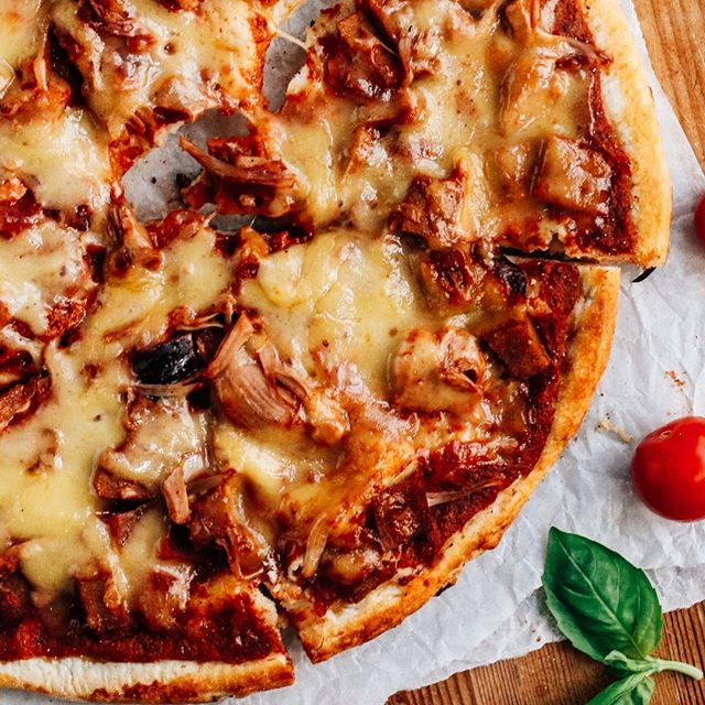 """No Meat. Still A Feast.   ❓What would you put on your ultimate meatless feast pizza? We're talking faux salami, shredded pulled """"pork"""", chick'n bits, spicy bbq sauce...  👇Comment below!     #Pizza #OnePlanetPizza #OPP #VeganPizza #Pizza #PizzaLover #PizzaIsLife #Vegan #PlantBased #VeganFood #Vegans #VeganForTheEnvironment #VeganCheese #Vegan #VeganFoodPorn #Foodie #PizzaTime #PizzaParty #FrozenPizza #Delicious #VeganTreat #TryVegan #PlantBasedDiet #PizzaPie #MeatlessFeast #MeatFeast #MeatlessMonday #Meatless"""