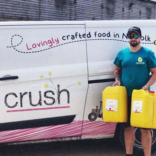 That moment when your Crush arrives with the goods😍  We're proud to use @crushfoods rapeseed oil in our pizza dough. There's nothing better than local companies supporting fellow local companies, and these guys create deliciously crafted, locally sourced rapeseed oils, grown by crops that are a stone's throw away from One Planet Pizza HQ!   👆Shop via your local independent store now. Link in bio to find a pizza near you!  #Crush #RapeseedOil #Rapeseed #Oil #LocallyGrown #Local #KeepItLocal #ShopLocal #SustainableCommunity #Pizza #OnePlanetPizza #OPP #VeganPizza #Pizza #PizzaLover #PizzaIsLife #Vegan #PlantBased #VeganFood #Vegans #VeganForTheEnvironment #VeganCheese #Vegan #VeganFoodPorn #Foodie #PizzaTime #PizzaParty #FrozenPizza