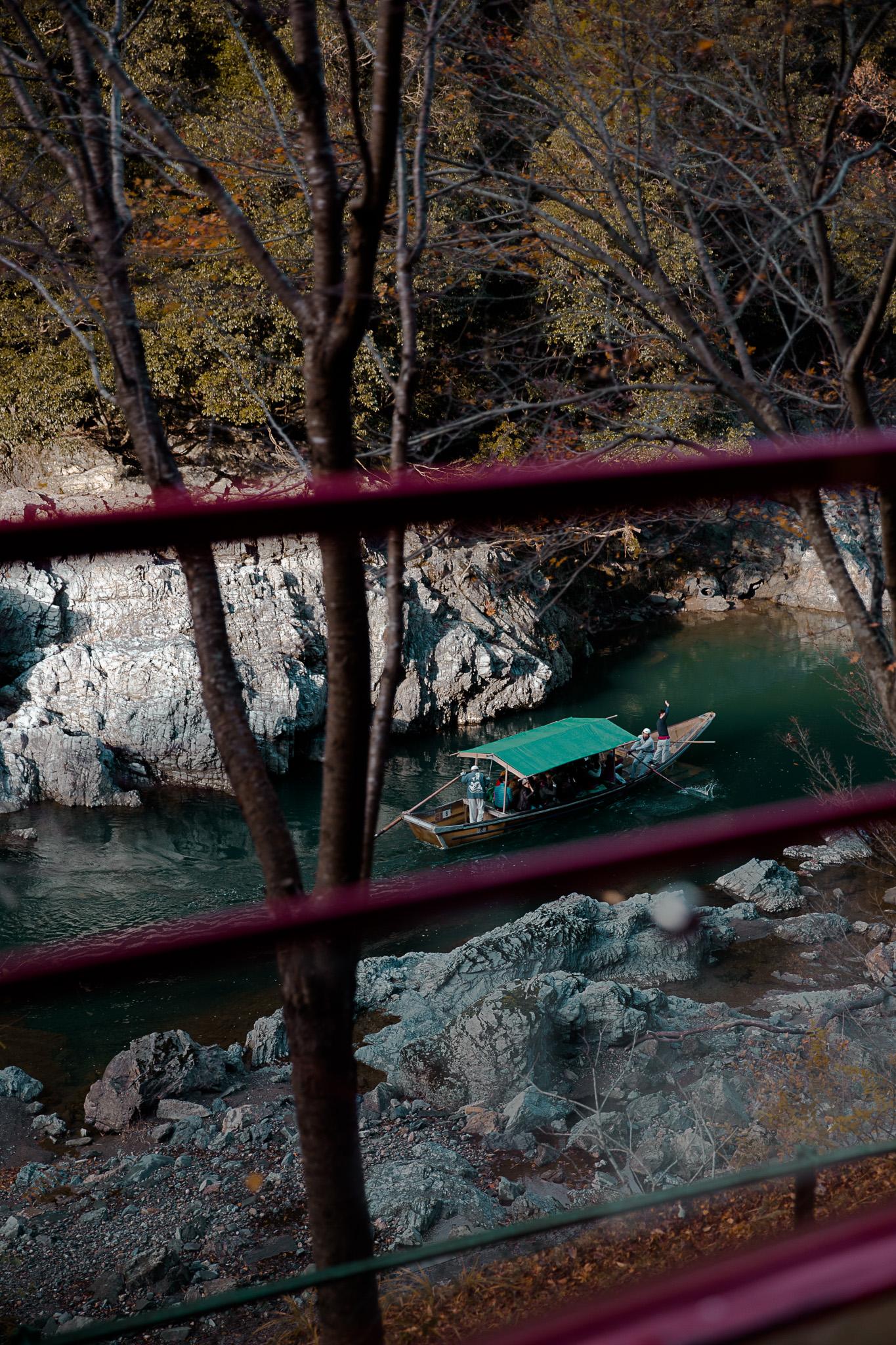 boat-arashiyama-kyoto