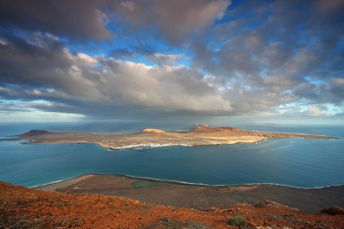 Vista de La Graciosa desde el Mirador del Río, Lanzarote.