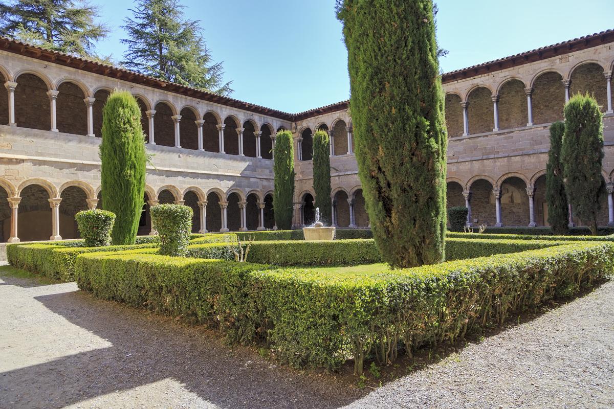 Monasterio de Sta. María de Ripoll (Girona) - Claustro.