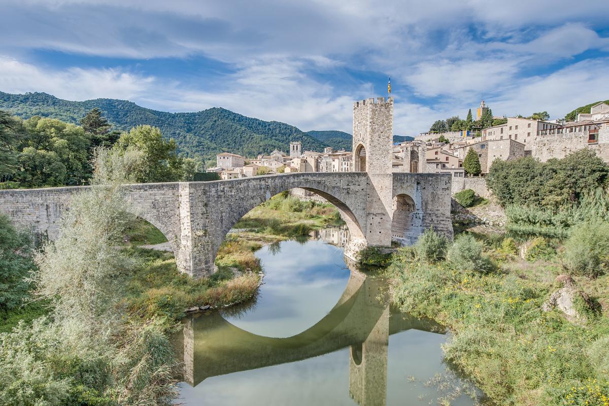 Los puentes más bonitos de España - Puente Viejo de Besalú (Girona)