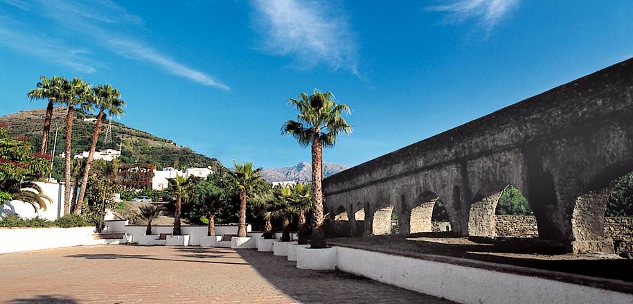 Almuñécar (Granada) - Acueducto Romano