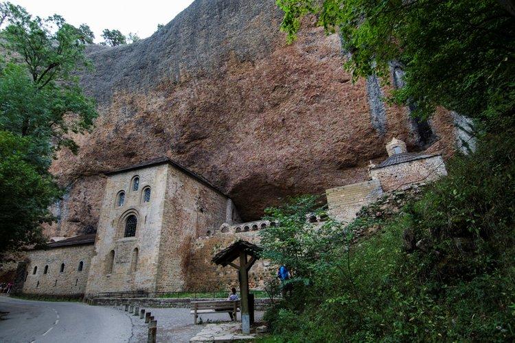 Qué hacer en Sos del Rey Católico - Monasterio de San Juan de la Peña