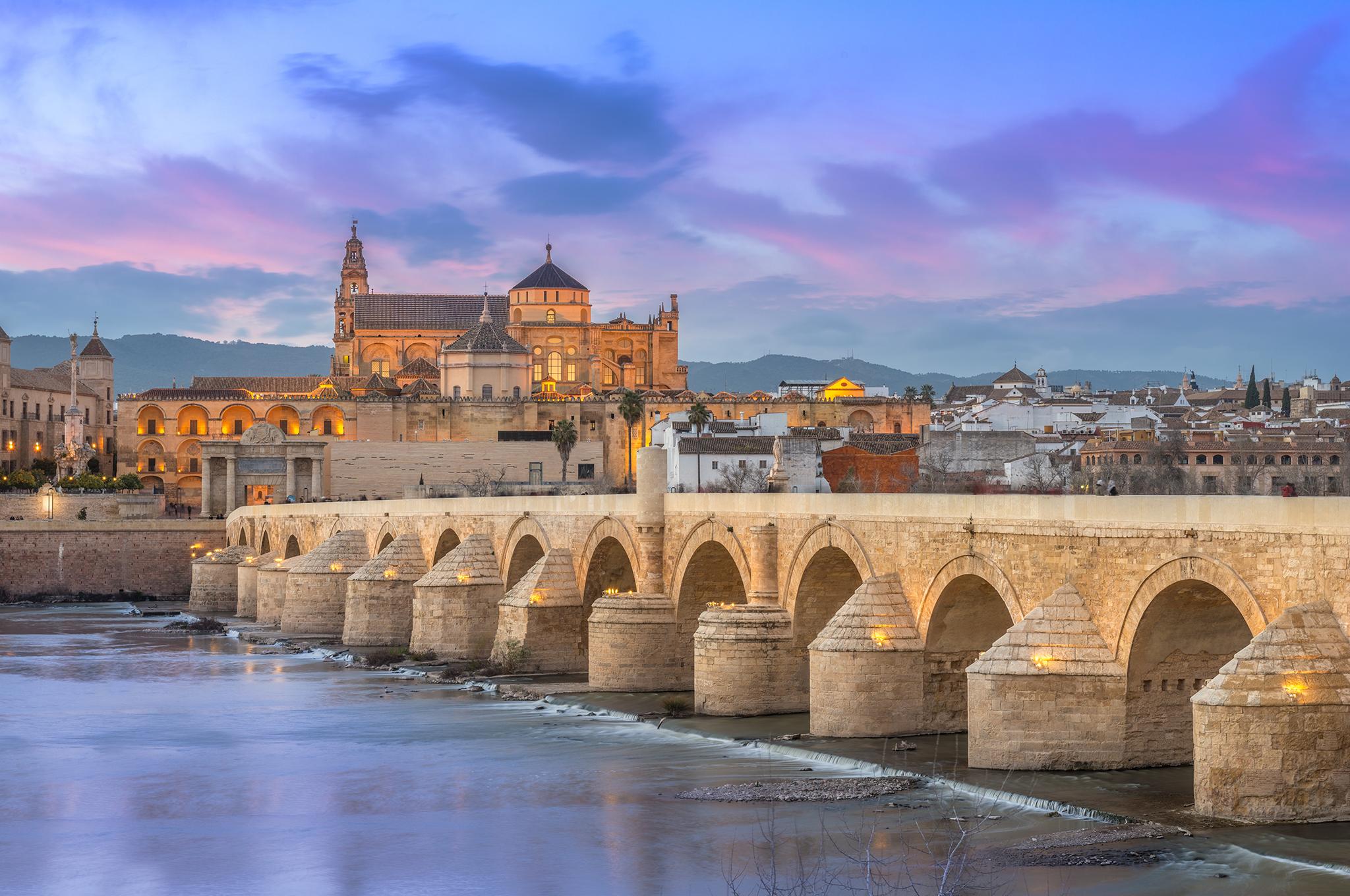Los puentes más bonitos de España. Puente Romano de Córdoba. |  Foto: La Fabrika Pixel S.l. | Dreamstime.com