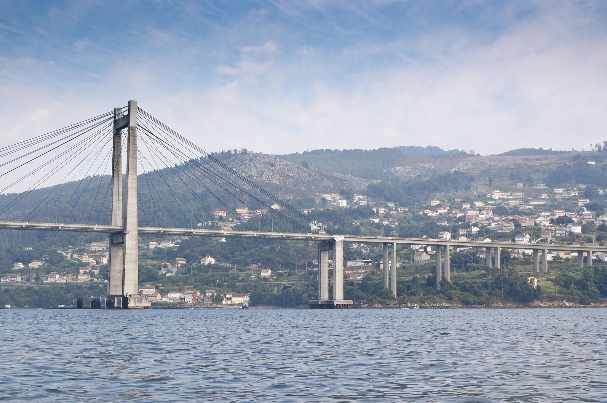 Los puentes más bonitos de España - Puente de Rade (Pontevedra) | Foto:  Ihervas | Dreamstime.com
