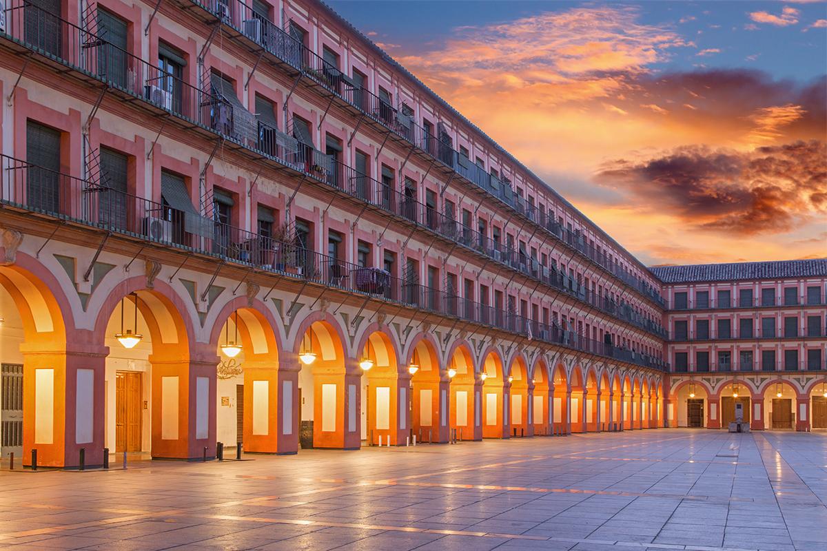 Las plazas más bonitas de España - Plaza de la Corredera (Córdoba) | Foto:  Jozef Sedmak | Dreamstime.com