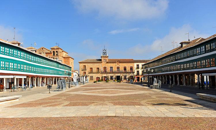 Las Plazas más bonitas de España - Plaza Mayor de Almagro (Ciudad Real) | Foto: Joserpizarro | Dreamstime.com