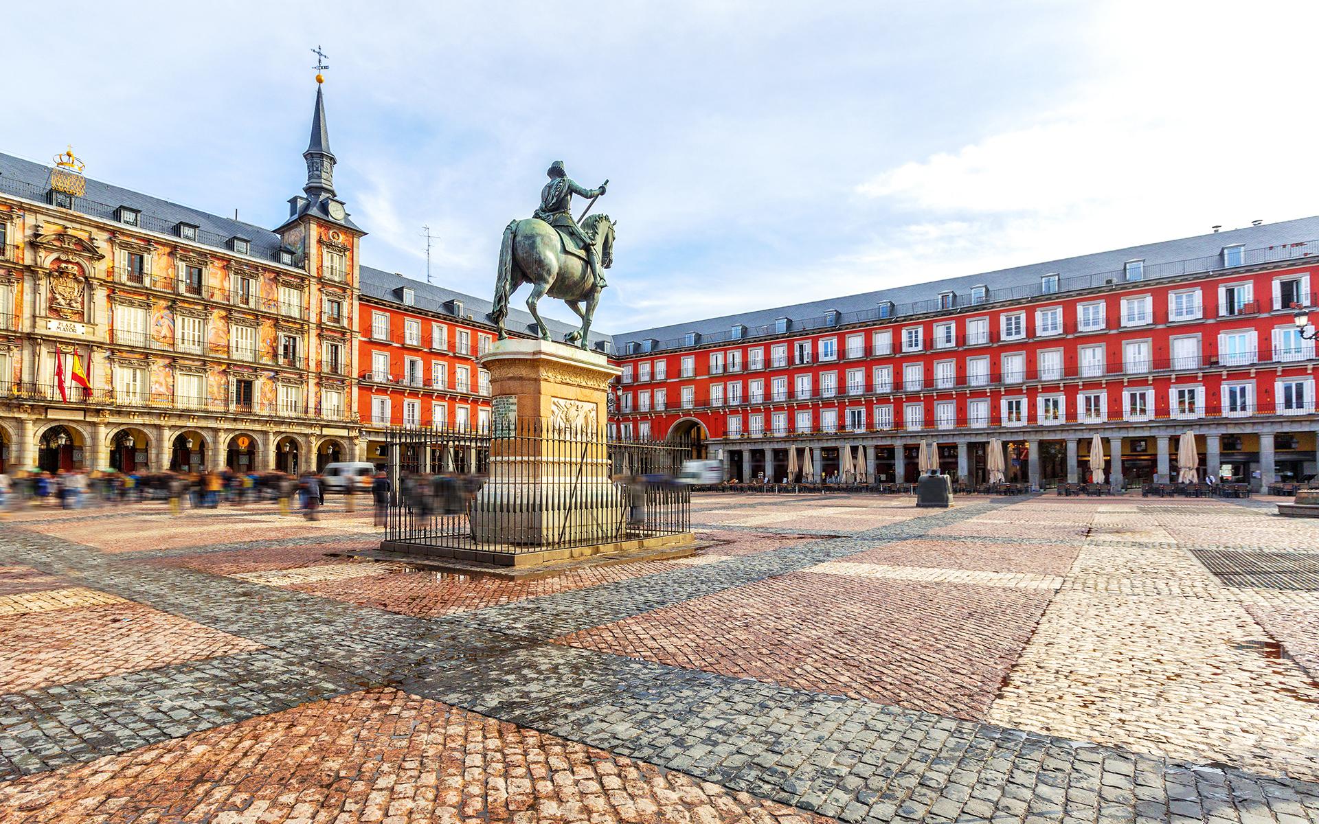 Qué ver y hacer en Madrid - Plaza Mayor | Foto: Svetlana195 | Dreamstime.com