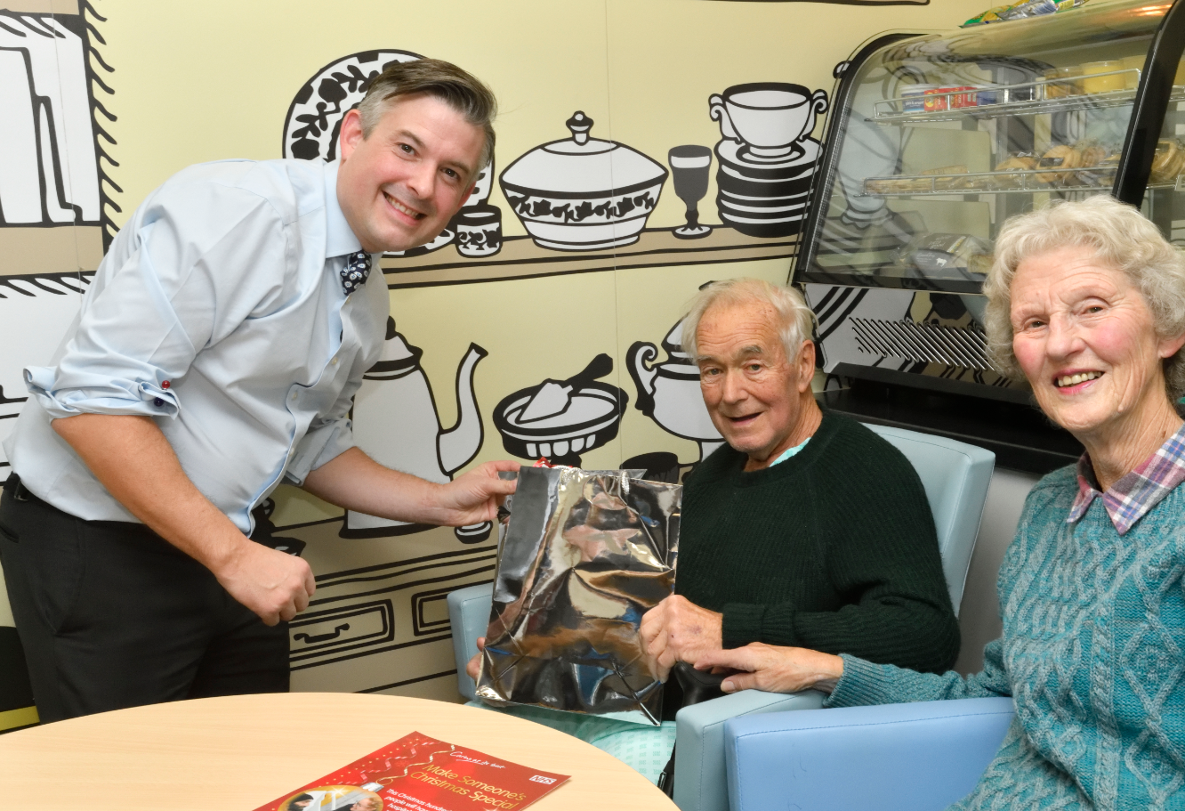Jon visits Leicester Royal Infirmary in support of the 'Making Christmas Special' campaign - Friday November 2018