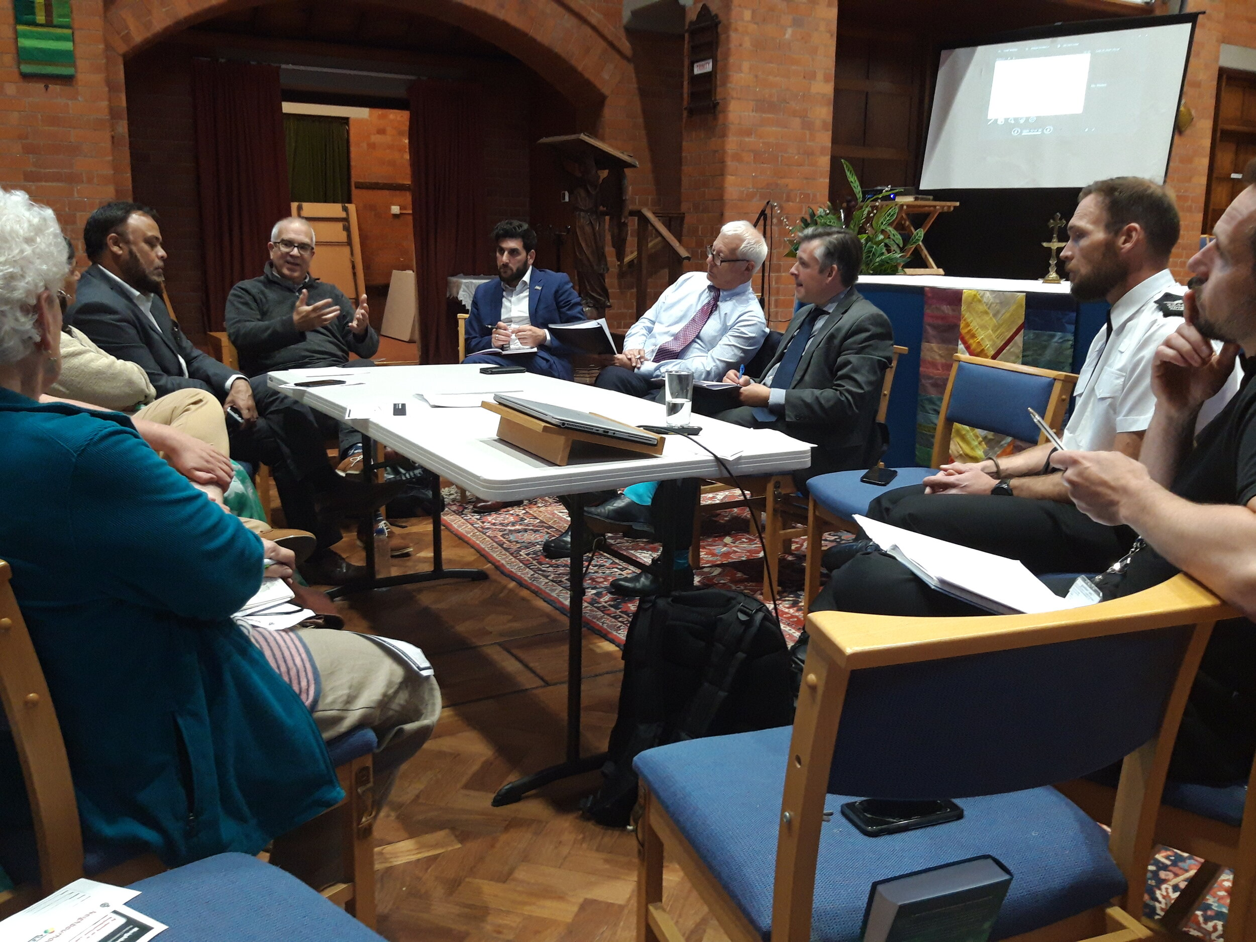 Jon and Police & Crime Commissioner Lord Bach met with local police, Councillors and residents to discuss crime in the Evington Road area - Friday September 13 2019