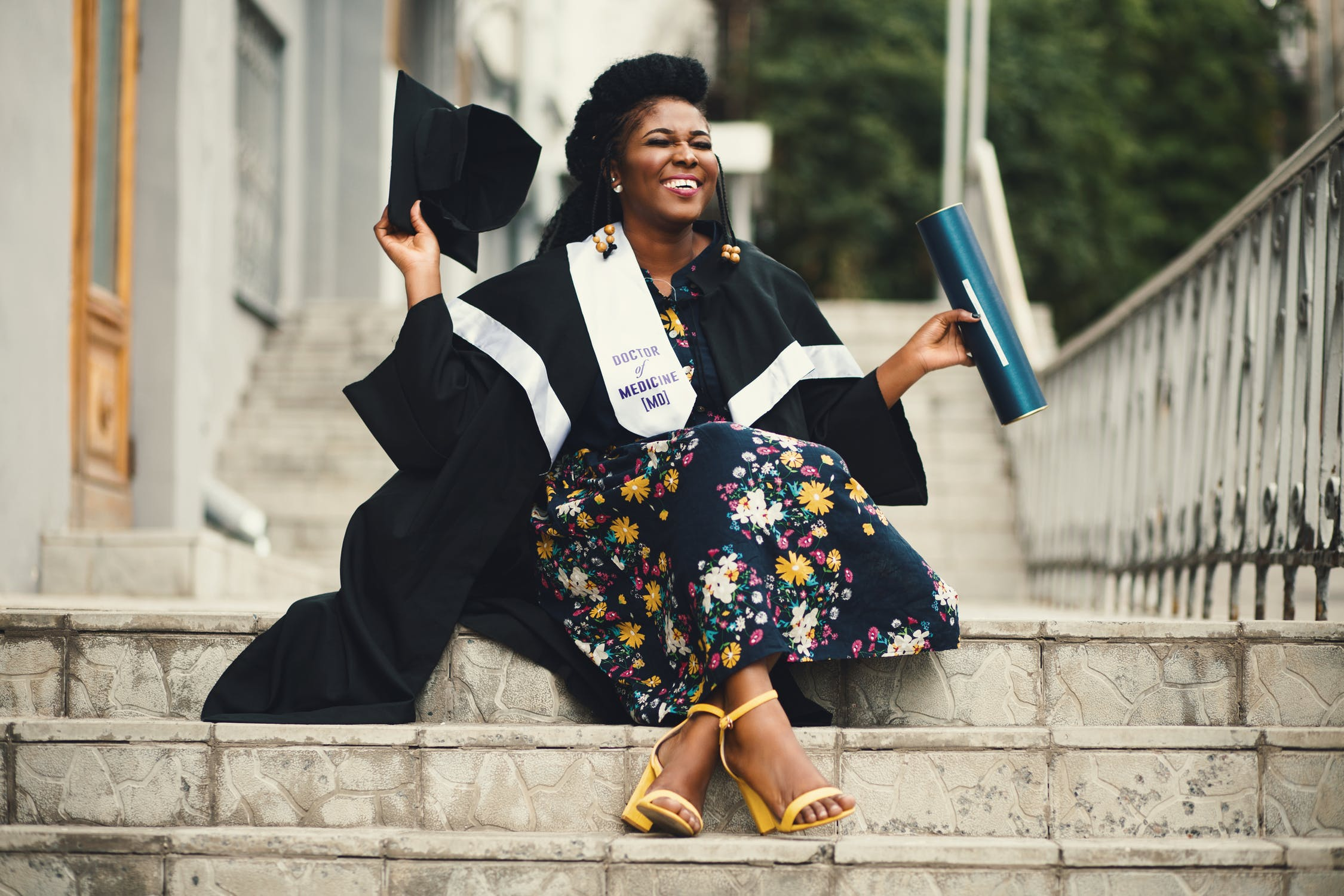 She Emerge Scholarship - Apply for the She-Emerge Scholarship Today!