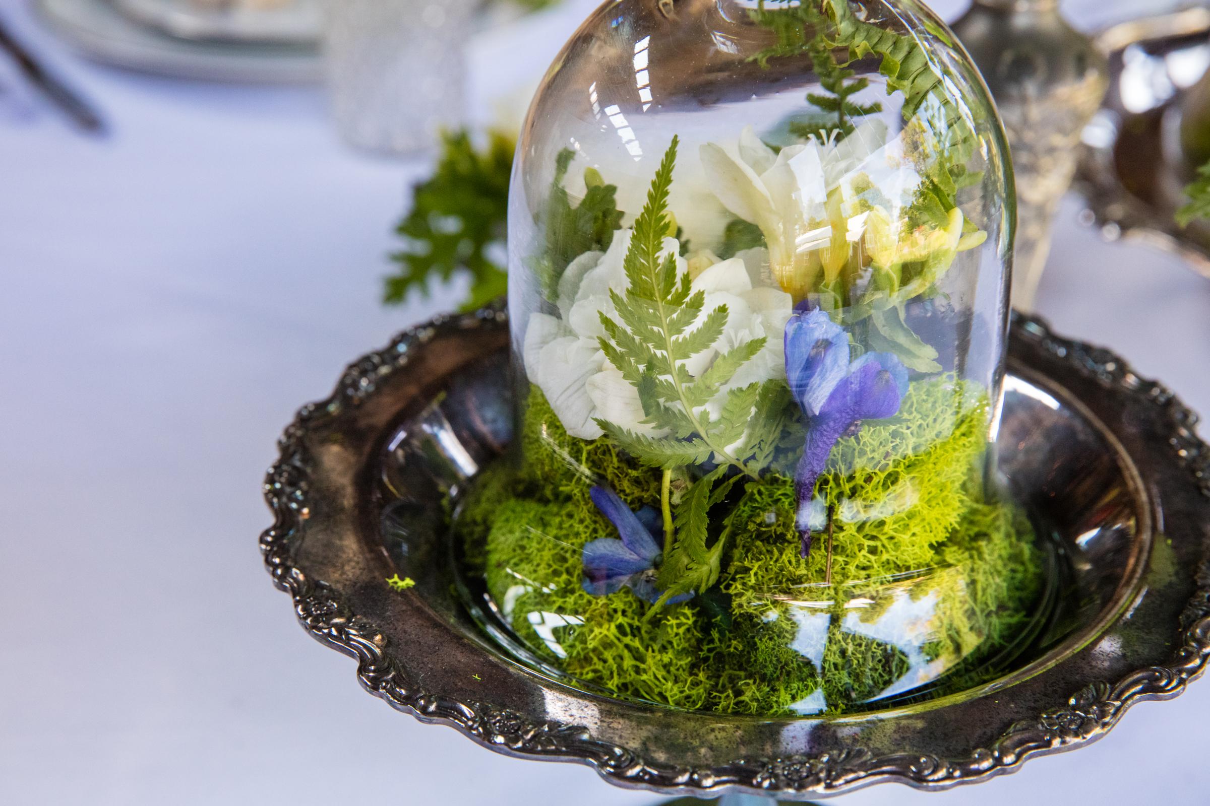 cloche -silver-platter-centerpiece.jpg