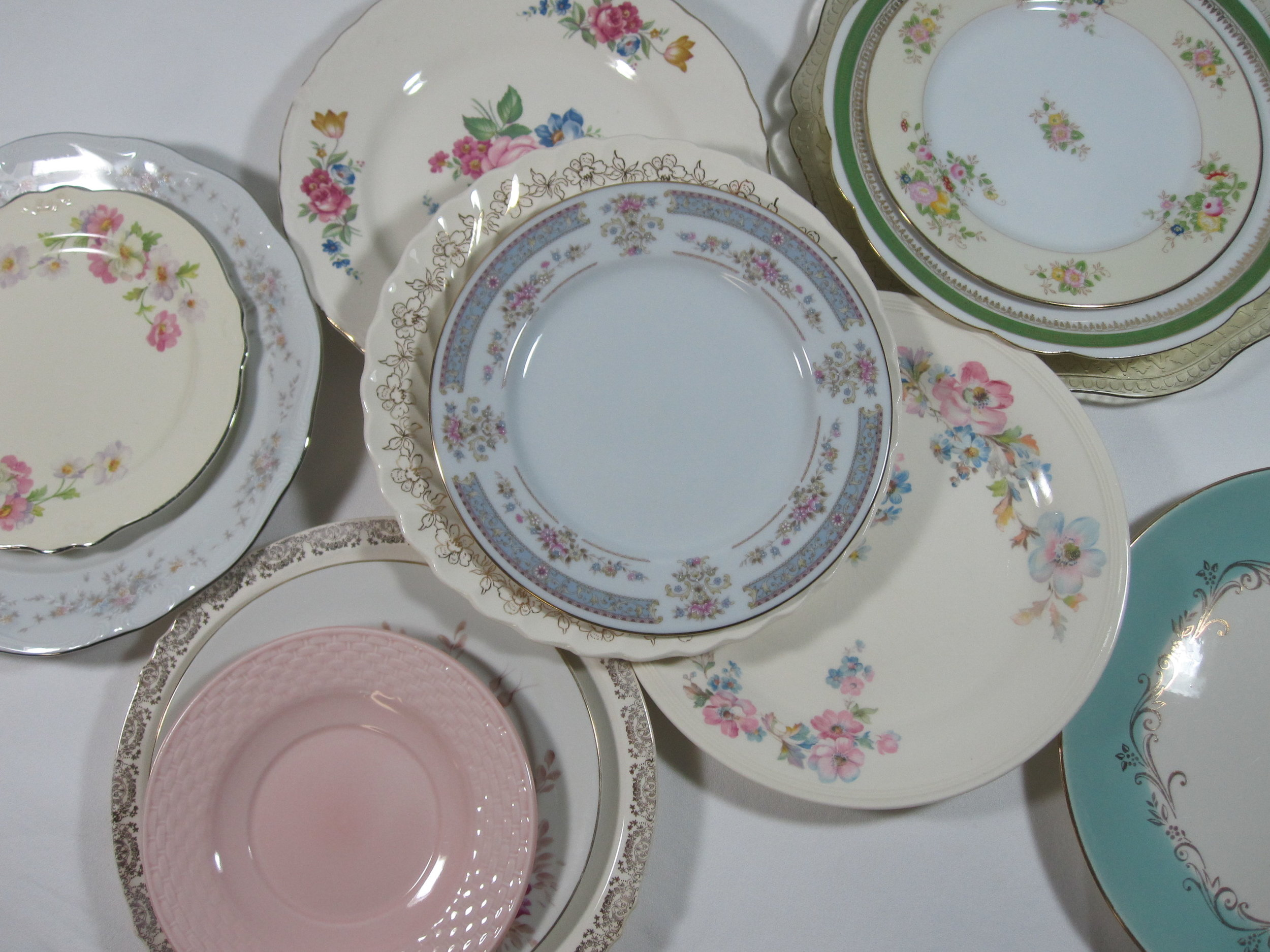 Dinner Plates - Description ~ Mix & match your table with vintage china plates! Coordinated pastel shadesQuantity ~ 445Price ~ .50