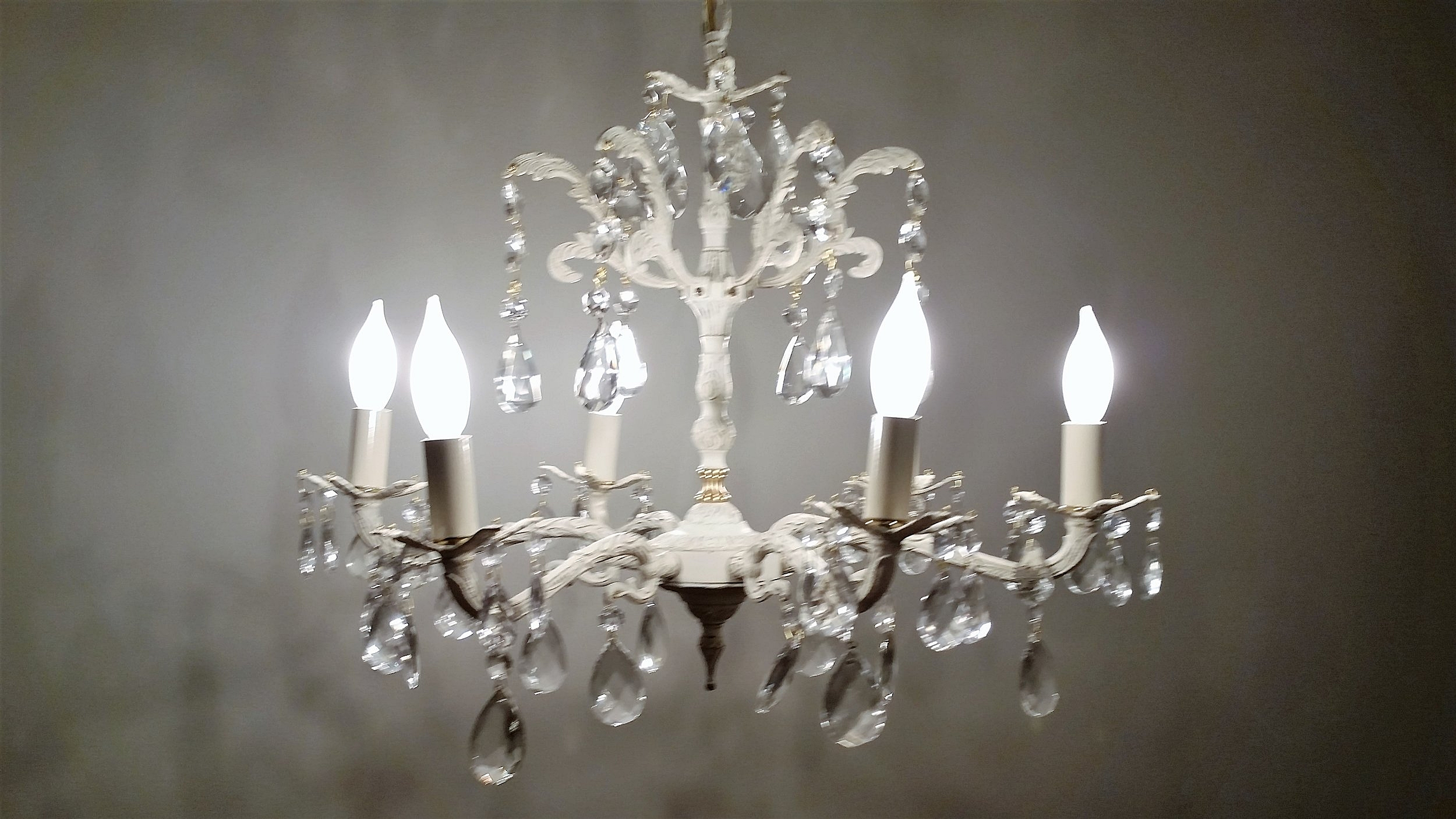 Chandelier - DescriptionQuantityPrice