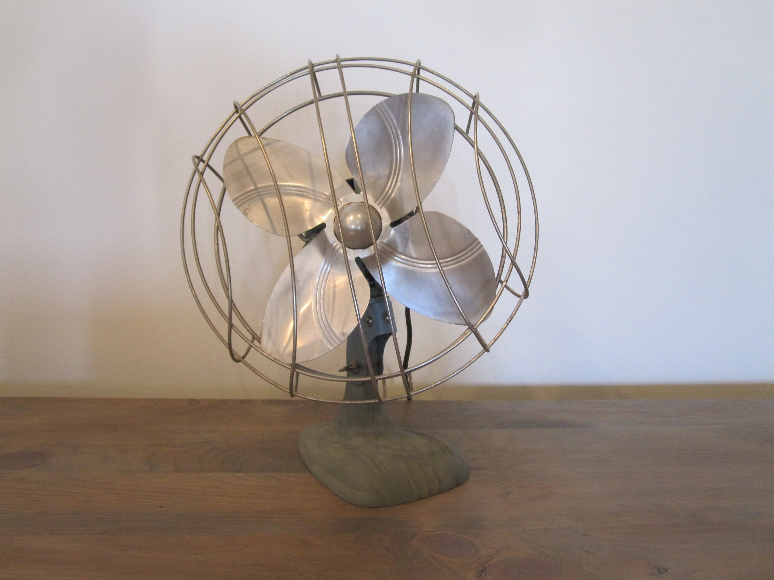 Vintage Fans - Description ~ old-style fans that add to your decor and make you feel coolerQuantity ~ 3Rental Price ~ $10
