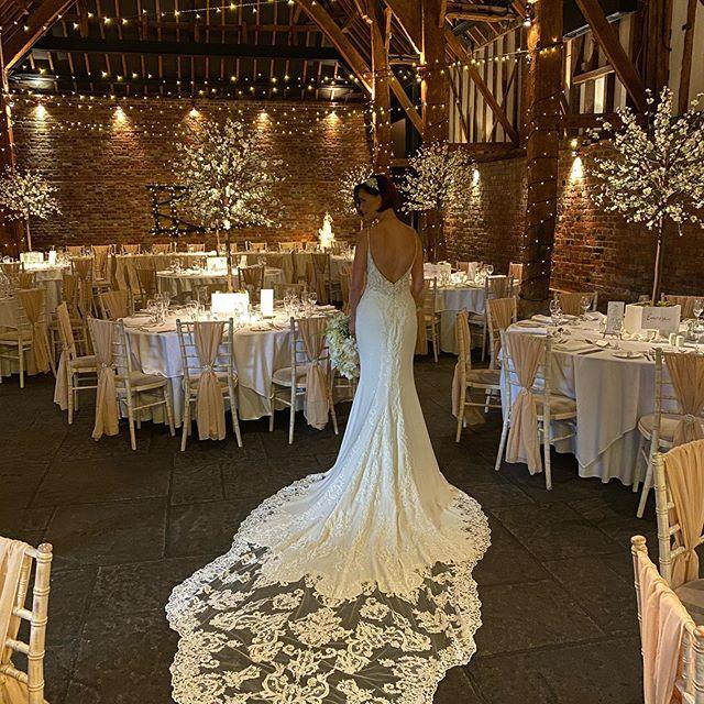 Stunning dress beautiful couple #weddingday #marriage #love 👰🏻🎩🥂