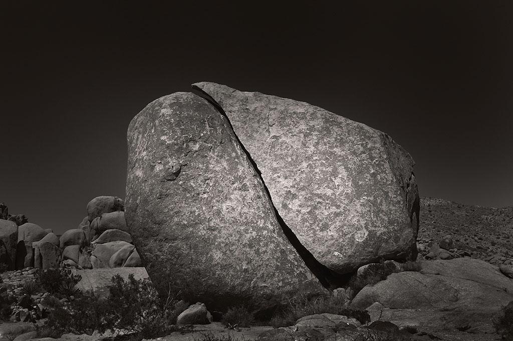 treat-joshua-stones-04.09-SPLIT-BOULDER.jpg