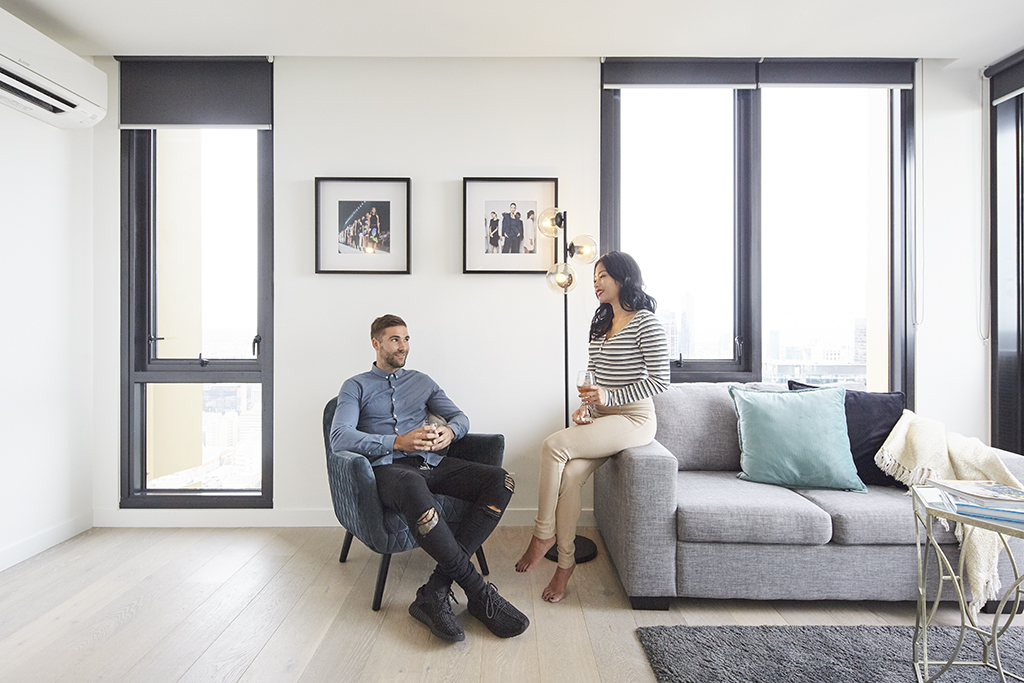 EMPIRE-MELBOURNE-SHORT-STAY-APARTMENT-LOUNGE.jpg