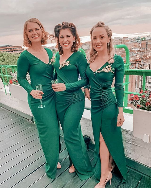 Last week at a private party these girls did for the lovely @lyndeymilan . Can't tell what's more gorgeous - the girls or the view! You can book us for your own party too! Head to our website www.thegirlsfromozgroup.com/contact/ to enquire