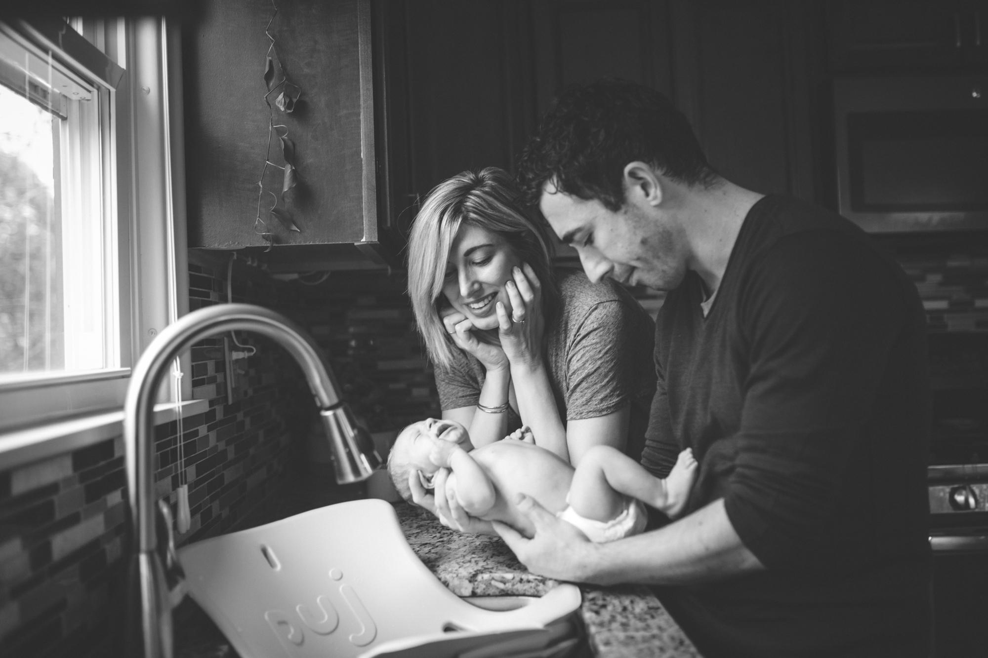 3-minneapolis in-home family photographer.jpg