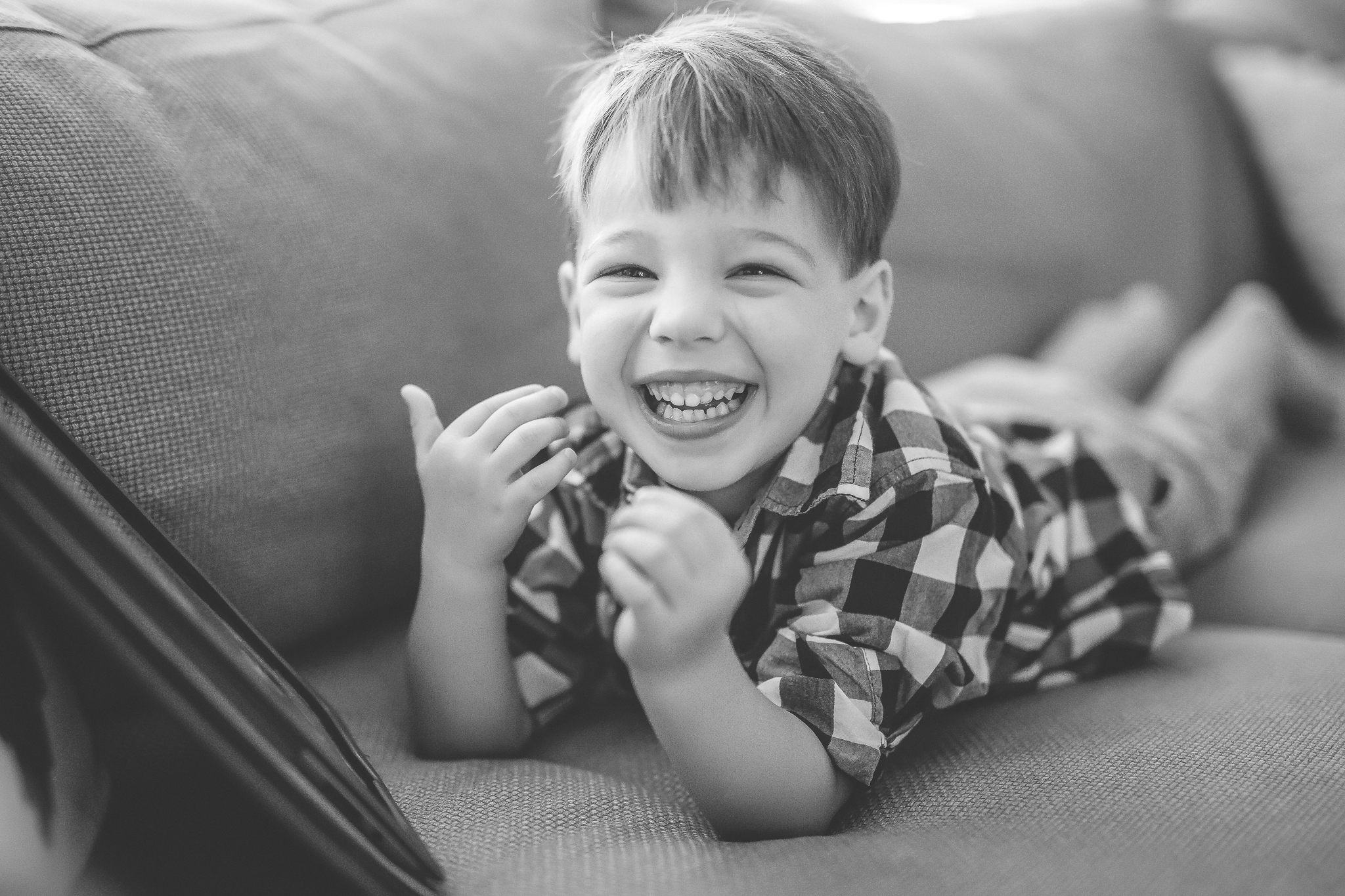 minneapolis in home day in the life family photographer-1.jpg