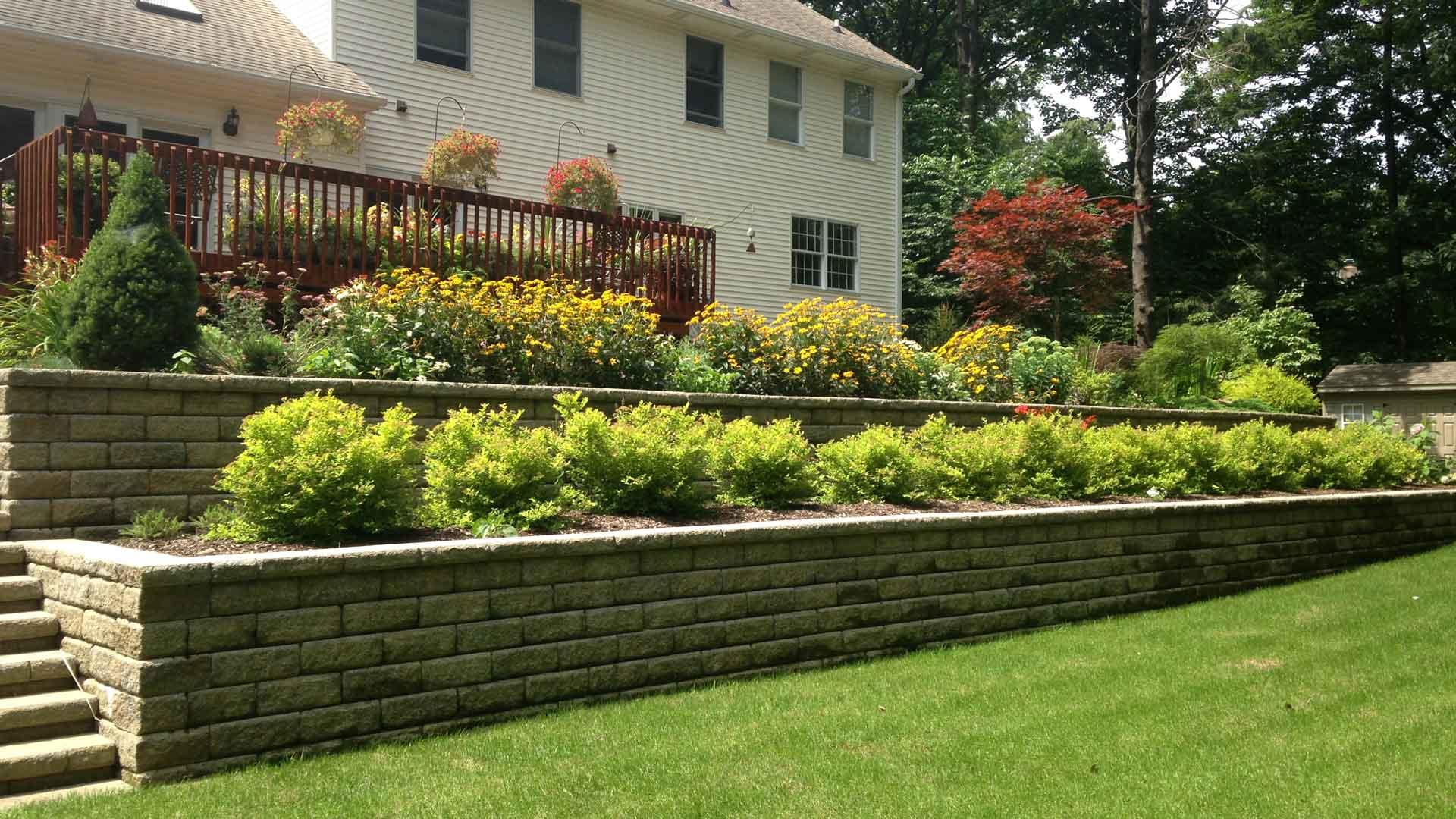 Auburn-Sky-Landscaping-Block-Wall-Steps-Planting-Beds.jpg