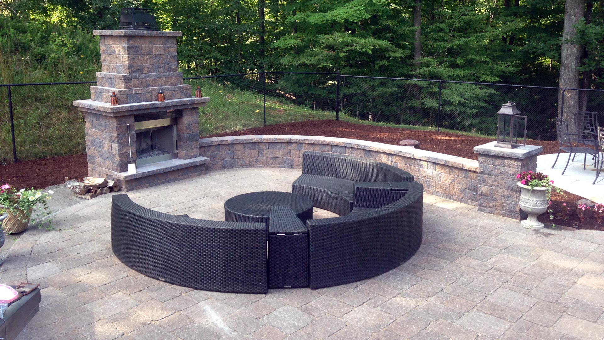 Auburn-Sky-Outdoor-Fireplace-Sitting-Wall.jpg