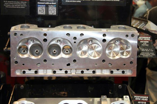 Edelbrock Extra Edition- Performer RPM CNC cylinder heads