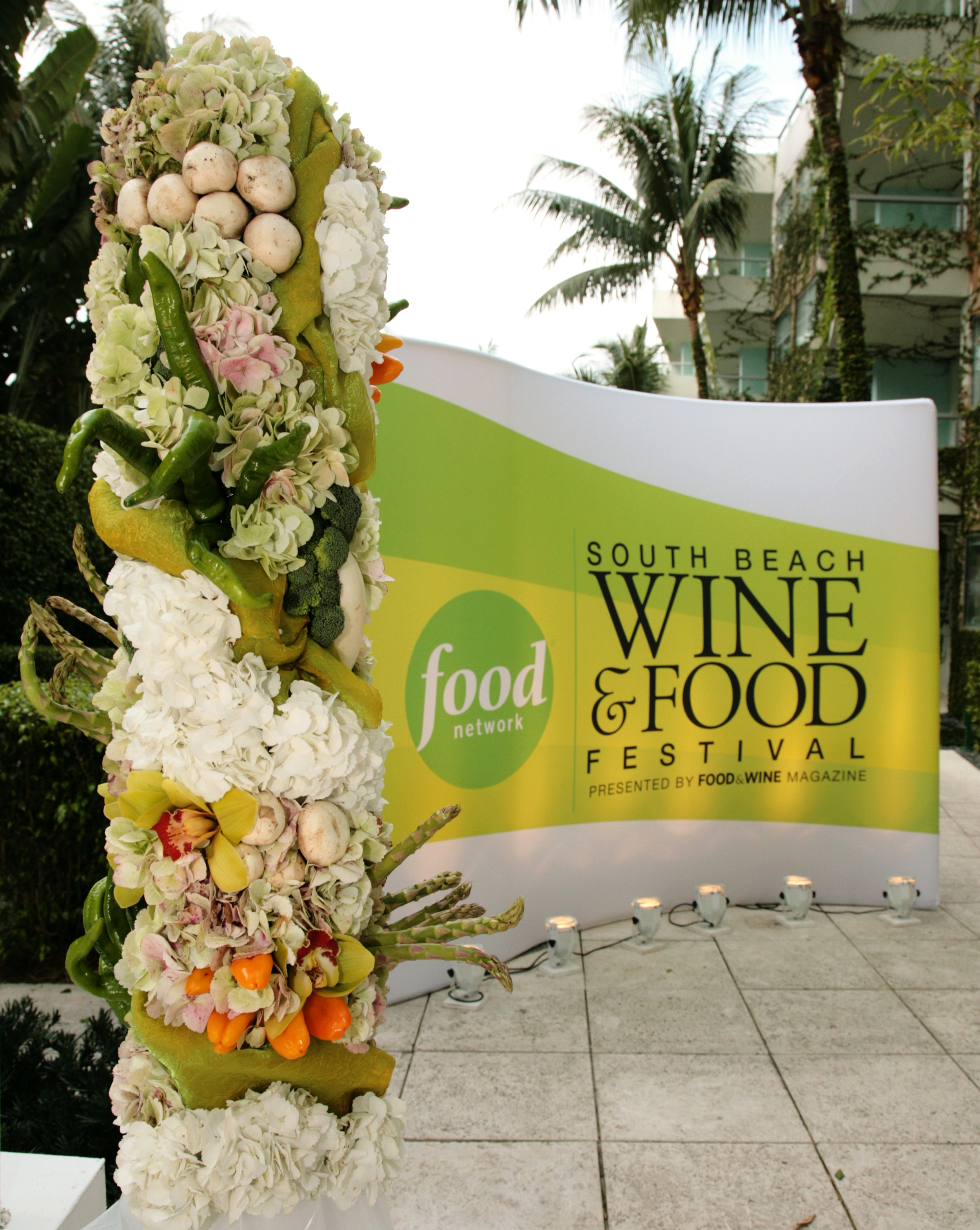 Flower column for food network step and repeat.jpg
