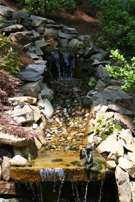 Stream in Struve Garden begs one to sit