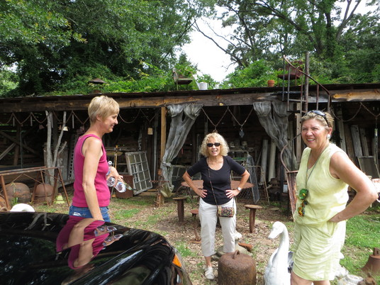 A&O Cottage Garden Antiques – Anita & Lauren with Jane Taylor