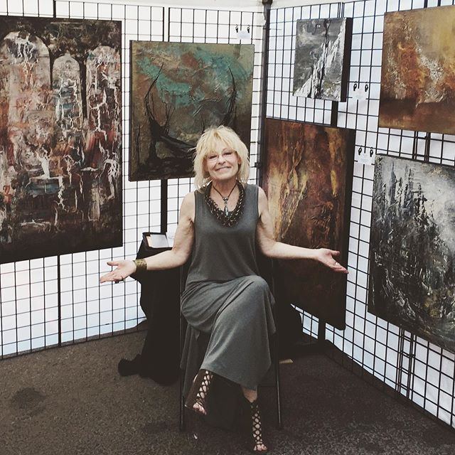 This time next week, we'll be setting up for Art Walk!! 🎉 Check out a few more artists from our line up ☀️ • As an intuitive and lyrical abstract artist, Cathy Bible's paintings are never preconceived. They come from within, where creativity, expressiveness, and individuality reside. Through her hands, fingers and large tools, Cathy uses her intuition with an energy and enthusiasm to express herself in mixed medium on canvas. Viewers are captivated in an emotional journey of peace, energy and stability. • Corinne Knopp's love of art began 15 years ago while Tole painting Christmas ornaments for her children's school. Today, she hand-paints inspirational sayings on reclaimed wood, bringing light and love into people's lives. Focusing on the wisdom of the Bible, Corinne releases the power of written words to encourage and anchor the souls of those who enjoy her artwork. • Mark Hughes is accredited with the Professional Photographers of Canada. Working to capture the essence of Edmonton in his work, Mark loves the aesthetic of black and white images because of their timelessness and how well they can convey a certain place. His current goal is to remind everyone of what a lovely place home can be.