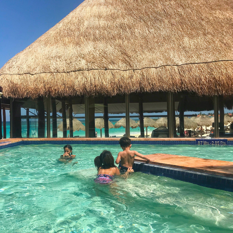family-travel-cancun-negra-bohemian-afro-latina-mom-bogger-black-mom