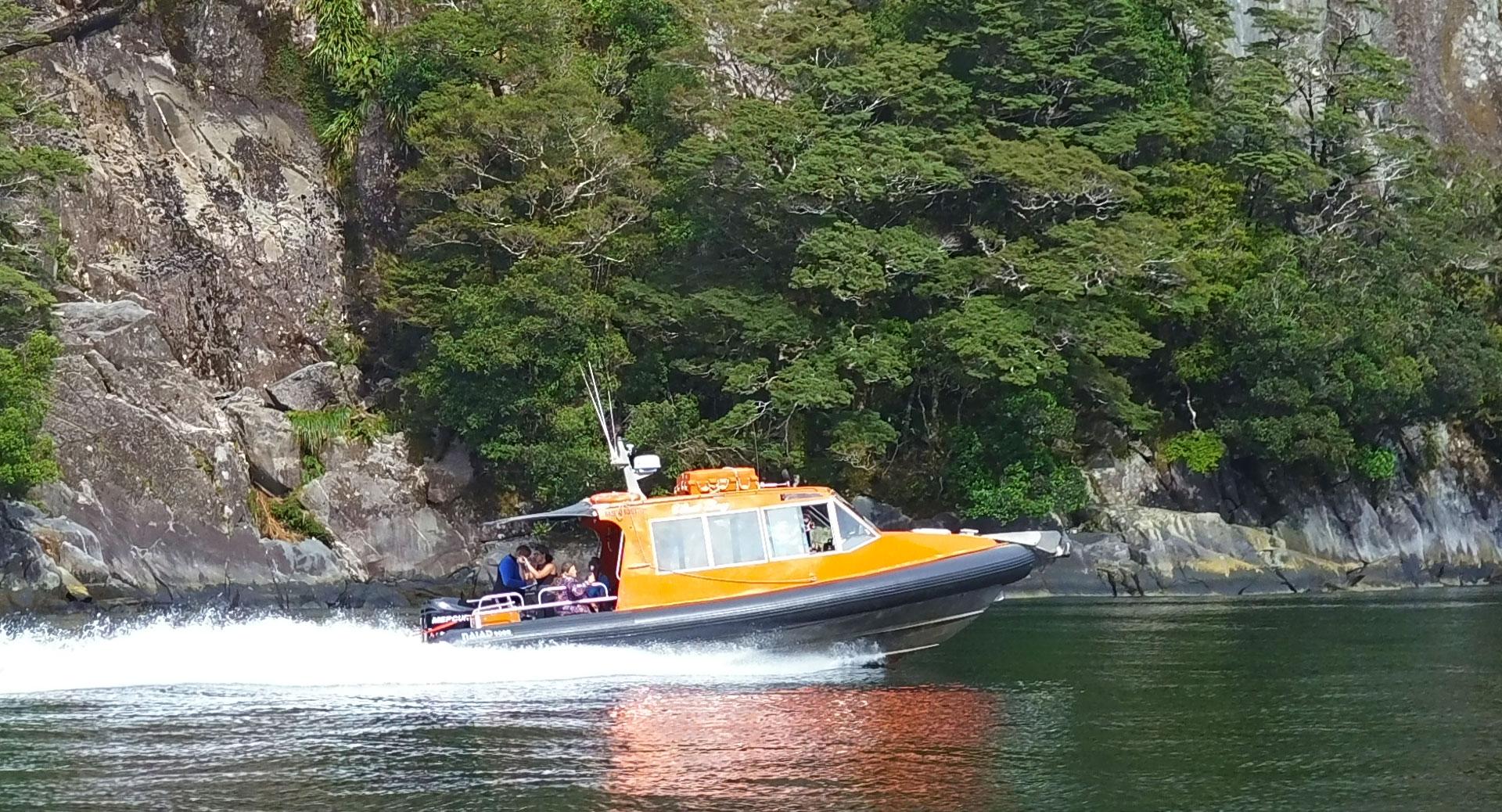 Vessel Westbay - 9m NAIAD