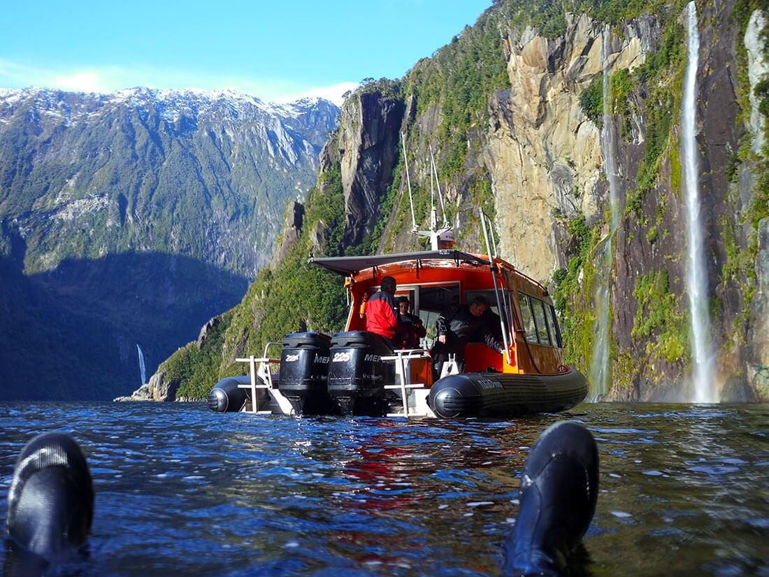 The Milford Sound dive tour - Awaken the explorer...