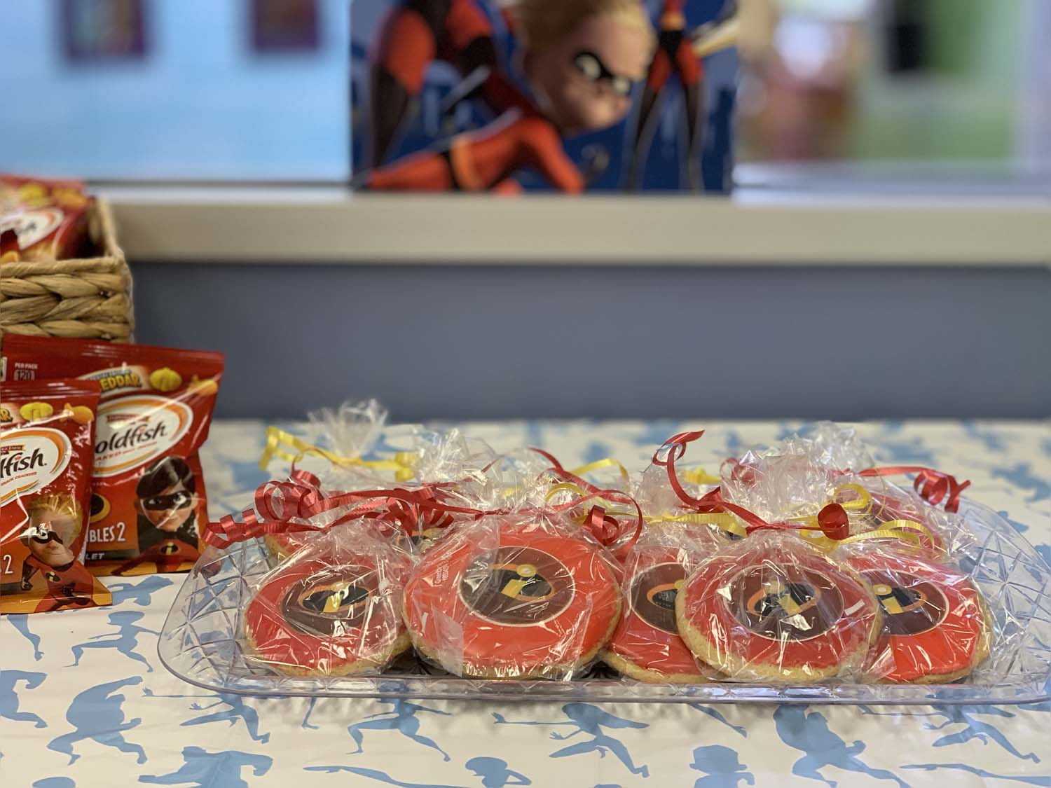 incredibles-treat-table.jpg