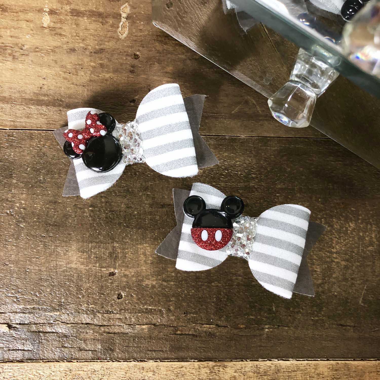 custom hairbow for kids birthday party.jpg