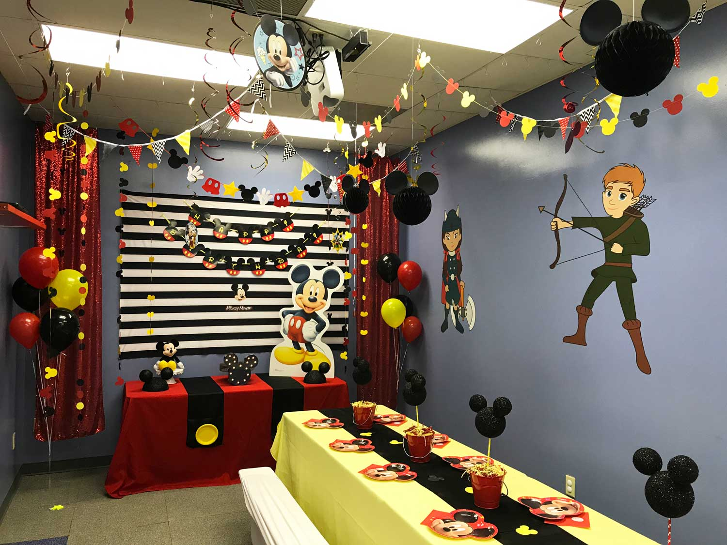 Mickey-mouse-birthday-party.jpg