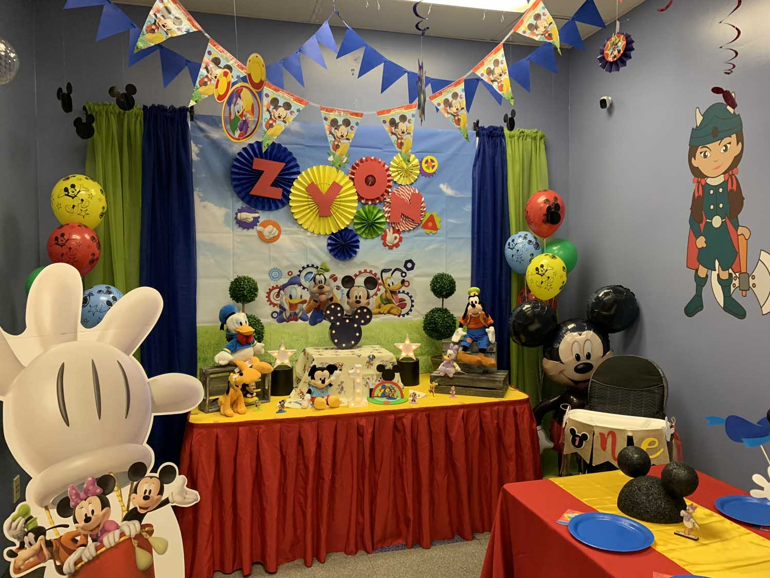 Mickey-Mouse-Clubhouse-Birthday-Party.jpg
