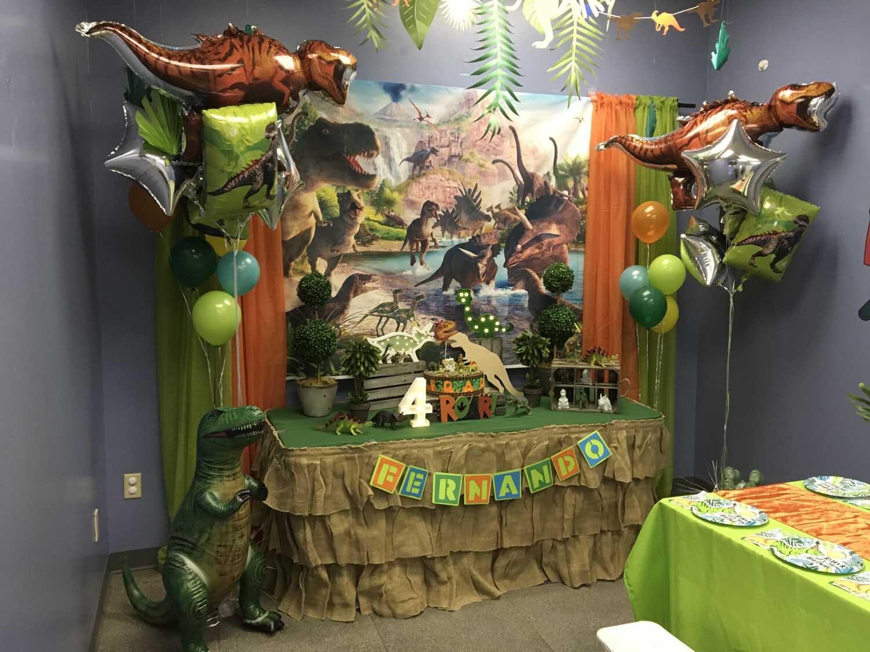 4 year old boy birthday party - dinosaur theme orlando florida (10).jpg