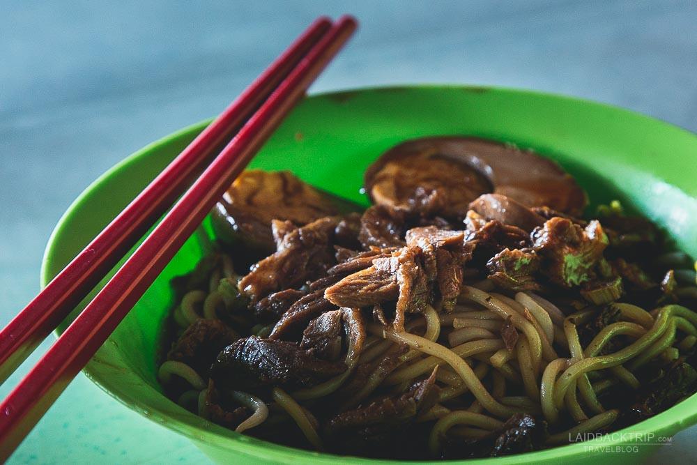 melaka guide   melaka eating out   malaysia cuisine   melacca   roasted duck with noodles   laidback trip
