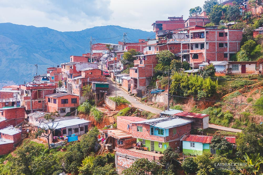 21 things you need to know before visiting colombia by laidbacktrip | traveler's guide to colombia