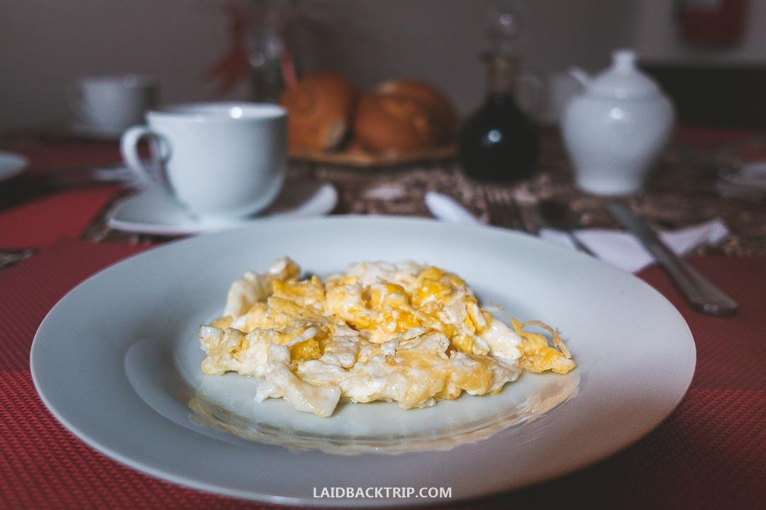 Breakfast at Casa Kuelap Hostel